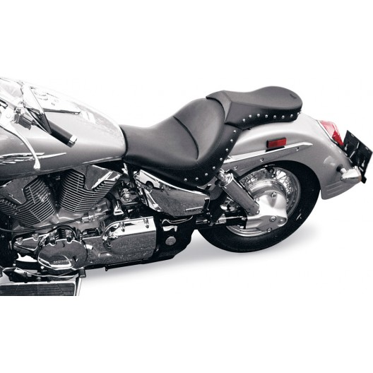 2003-2009 VTX1300 R/S Renegade Sport Pillion with Chrome Studs